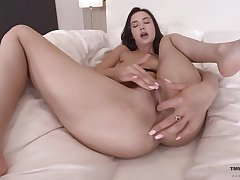 Solo beauty goes naughty with her fingers in both holes